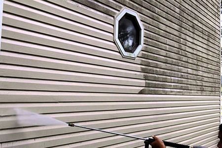 vinyl-siding-need-to-be-cleaned